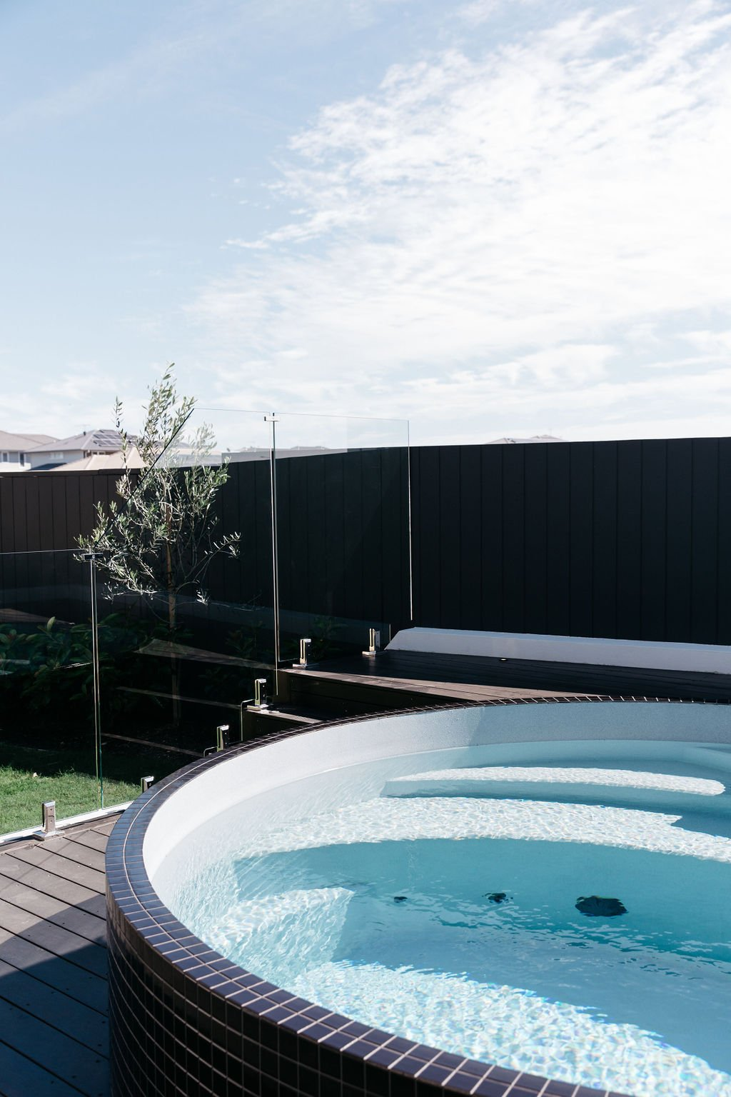 3.5m round concrete plunge pool, the Plungie Arena - in Blue Lagoon