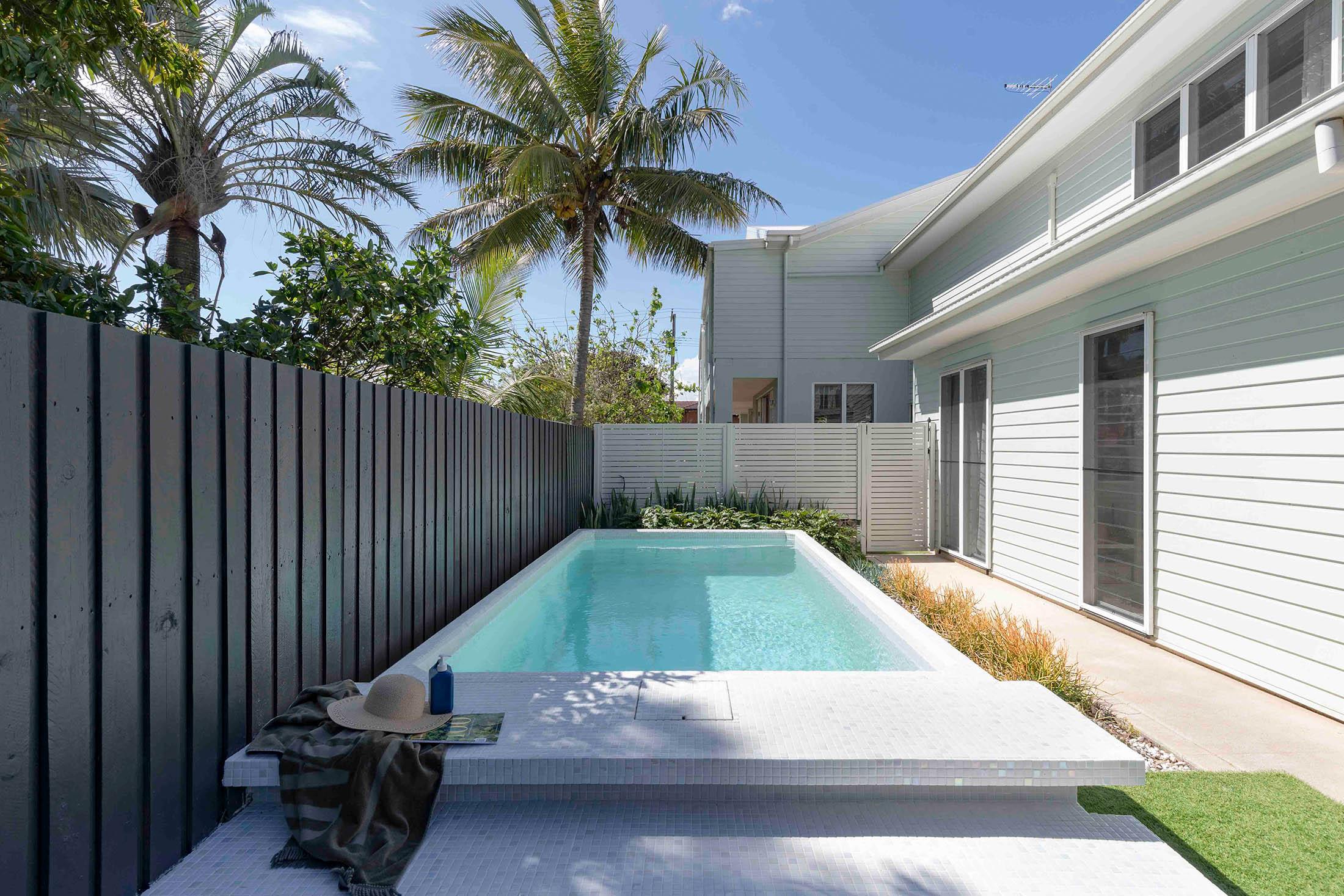 Semi above-ground Plungie Original 4.6m x 2.5m plunge pool in Kona Coast